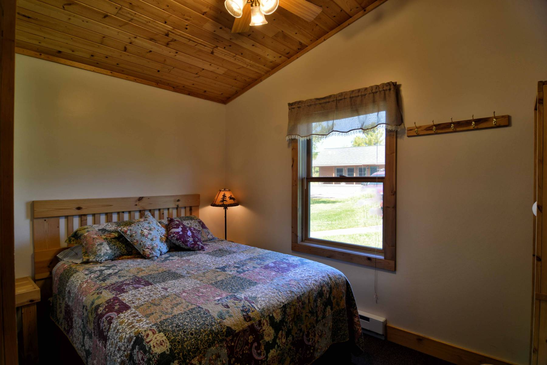 This Cottage Has Two Bedrooms, One Bathroom, A Sofa Sleeper, A Kitchen With  2 Burner Stove Top (no Oven), Sink, Dishwasher, Refrigerator, Coffee Maker,  ...